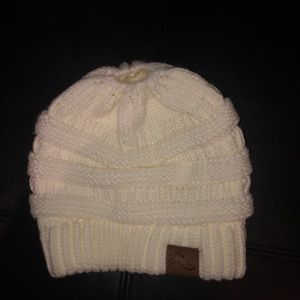 Knitted beanie with hole for bun/ ponytail